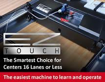 QubicaAMF EZ Touch - kombinovaný mazací a mycí stroj na bowlingové dráhy.